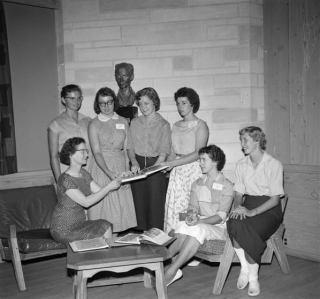 The High School Journalism Institute. Ernie Pyle bust in the background. July 30, 1958. Provided By Indiana University Office of University Archives and Records Management. P0053132